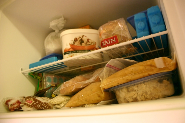 Short on time and money? Try freezing food made with fresh ingredients for inexpensive, time-saving meals on week nights!