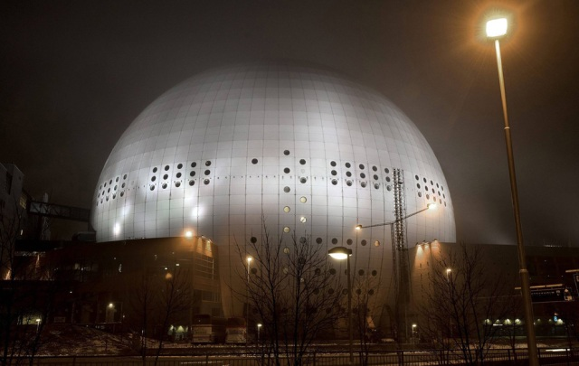 I thought this time-capture photo of the Ericsson Globe Arena going dark was pretty cool (and reminded me a bit of E.T.). Location: Stockholm, Sweden.